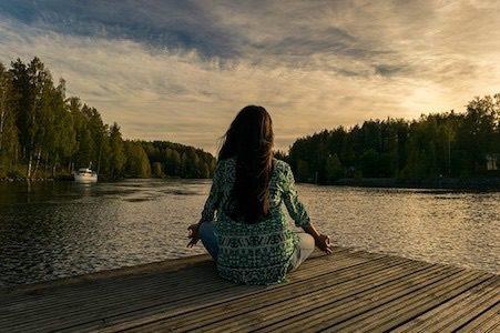 瞑想をする前に知っておきたい4つの脳波