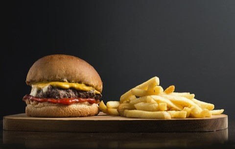 太りやすい食べ物 一覧