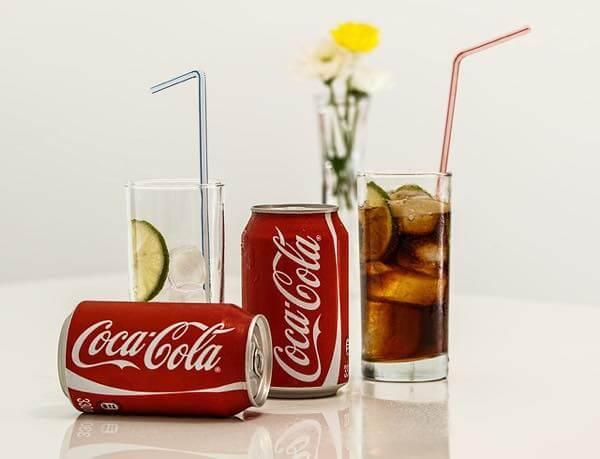 ダイエットコーラなどのゼロカロリー飲料は減量に効果的?